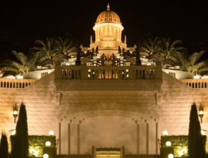 haifa-stairs-at-night1-tsik_C